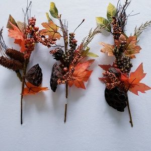 3 Maple leaf, Honeycomb, berry and pinecone bush